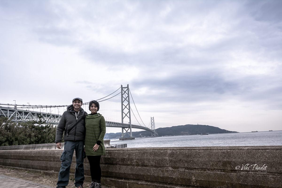 Ranita & Viki at Akashi Kaikyo Bridge