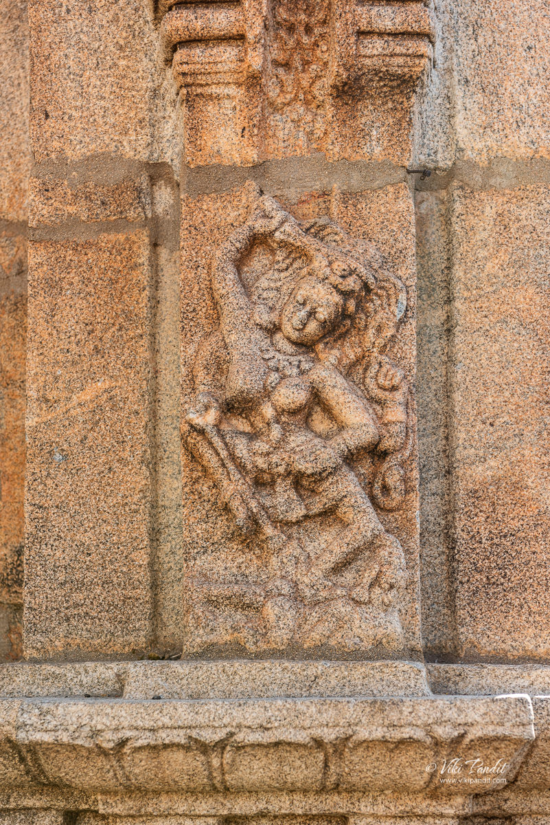 Kali outside Lakshmanalingeshwara Shrine, Avani