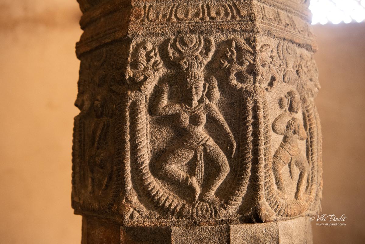 Pillar Carvings inside Lakshmanalingeshwara Temple