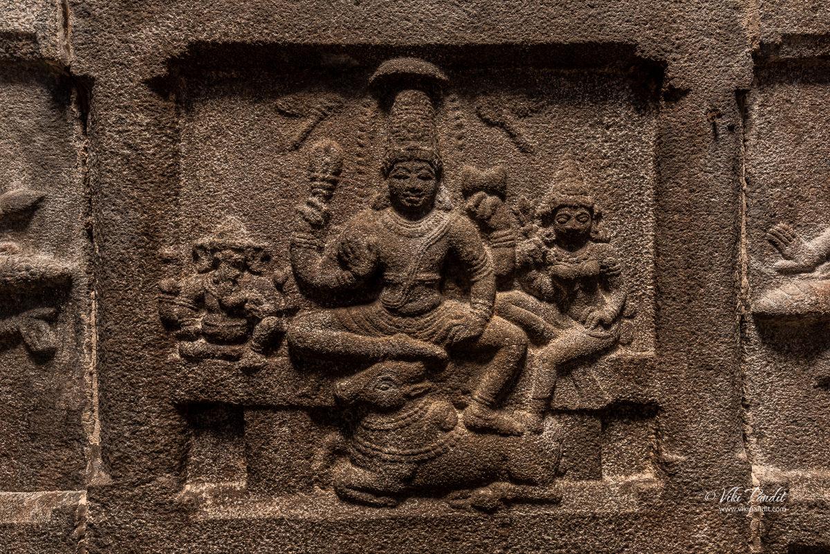 Shiva & Parvati with Ganesh carving at Shatrugneshwara Temple
