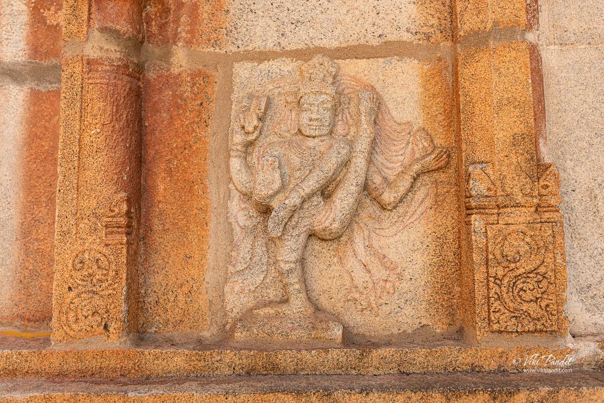 Wall carvings at Ramlingeshwara Shrine, Avani