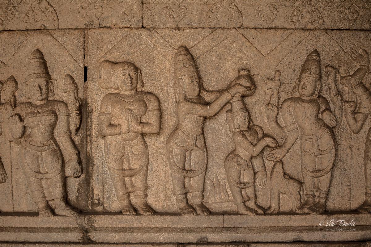 Wall carvings at Bhoga Nandishwara Temple