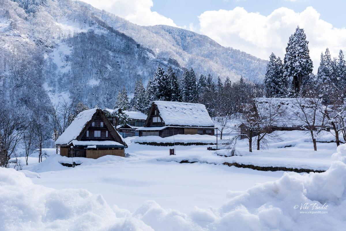 Snow covered Washi Paper Workshop in Ainokura Village