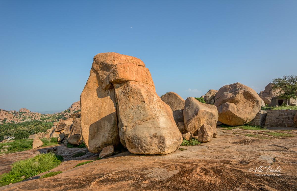 Boulders on Hemkuta Hill