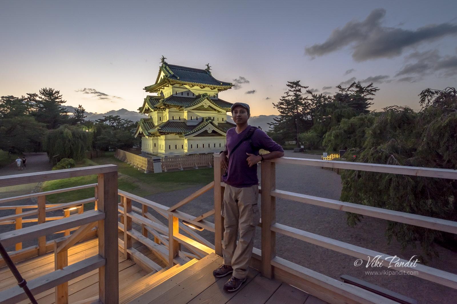 Viki at Hirosaki Castle