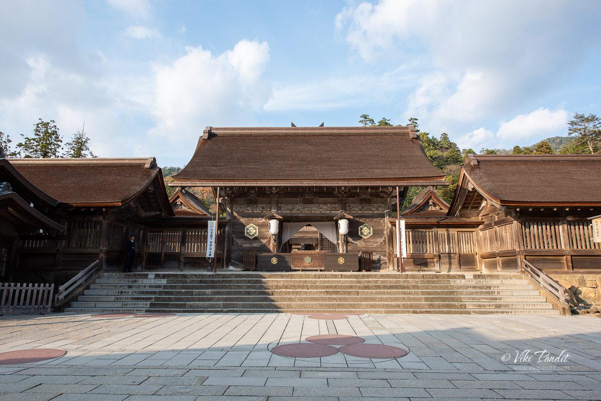 Yatsuashi-mon at Izumo Taisha