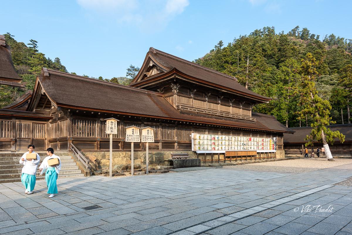 Priests at Izumo Taisha