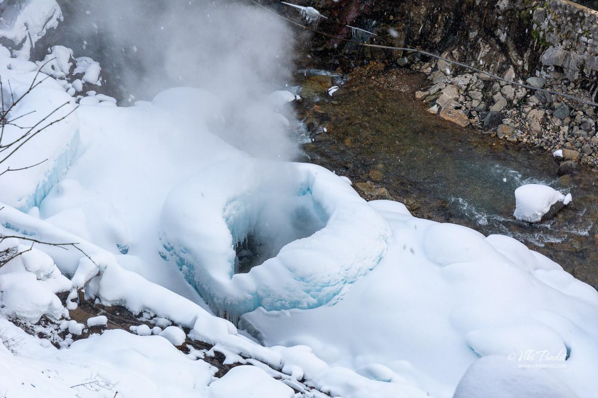 Steam vents near Jigokudani Monkey Park