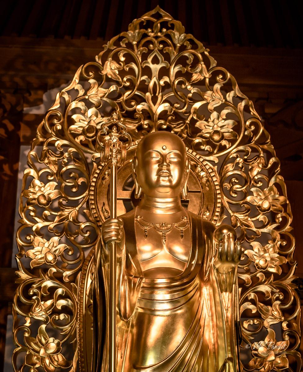 Golden Buddha inside Jizo-do Hall