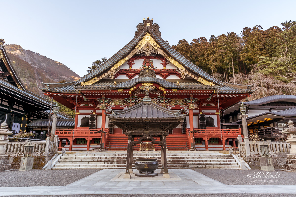 Minobu-san Kuonji Temple in Yamanashi