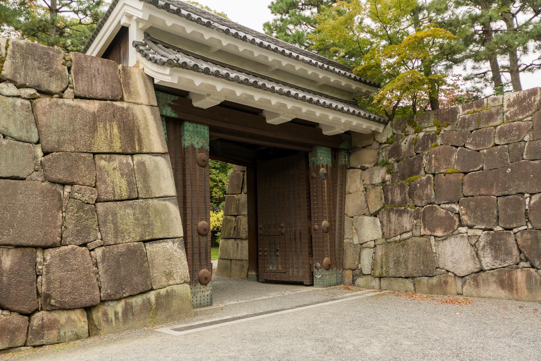 Honmaru Palace Gate