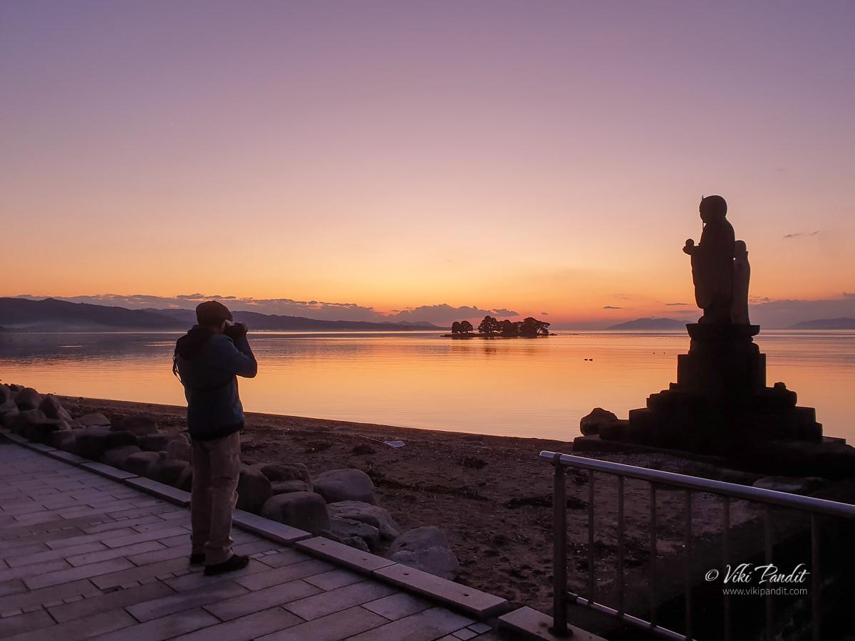 Viki at Lake Shinji