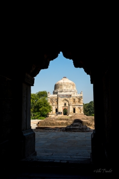 Sheesh-Gumbad-from-window.jpg