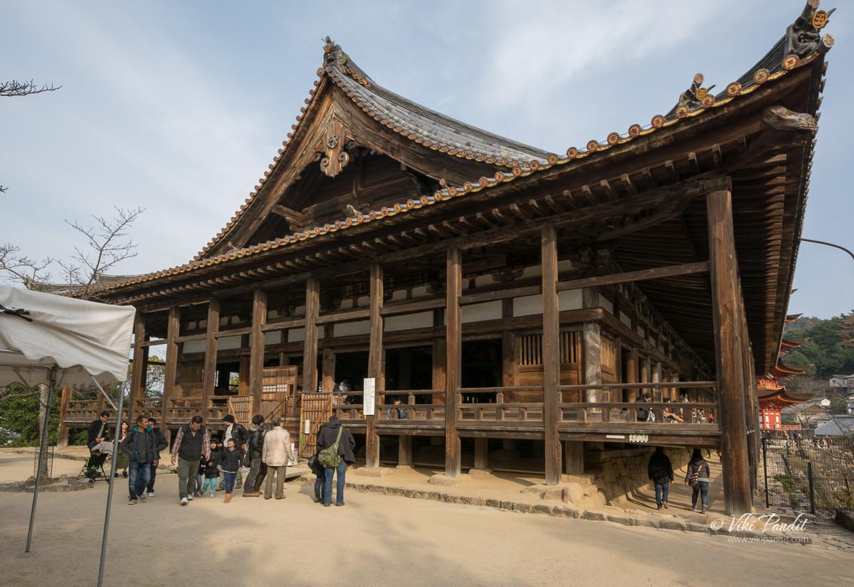 Hokoku Shrine at Miyajima