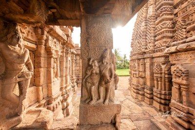 Rock carvings near side gate of Mallikarjuna Temple in Pattadakal