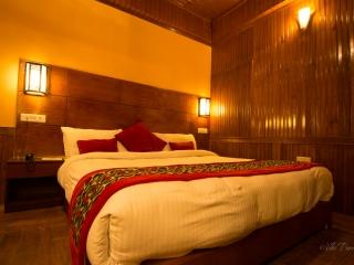 Hotel Golden Crescent