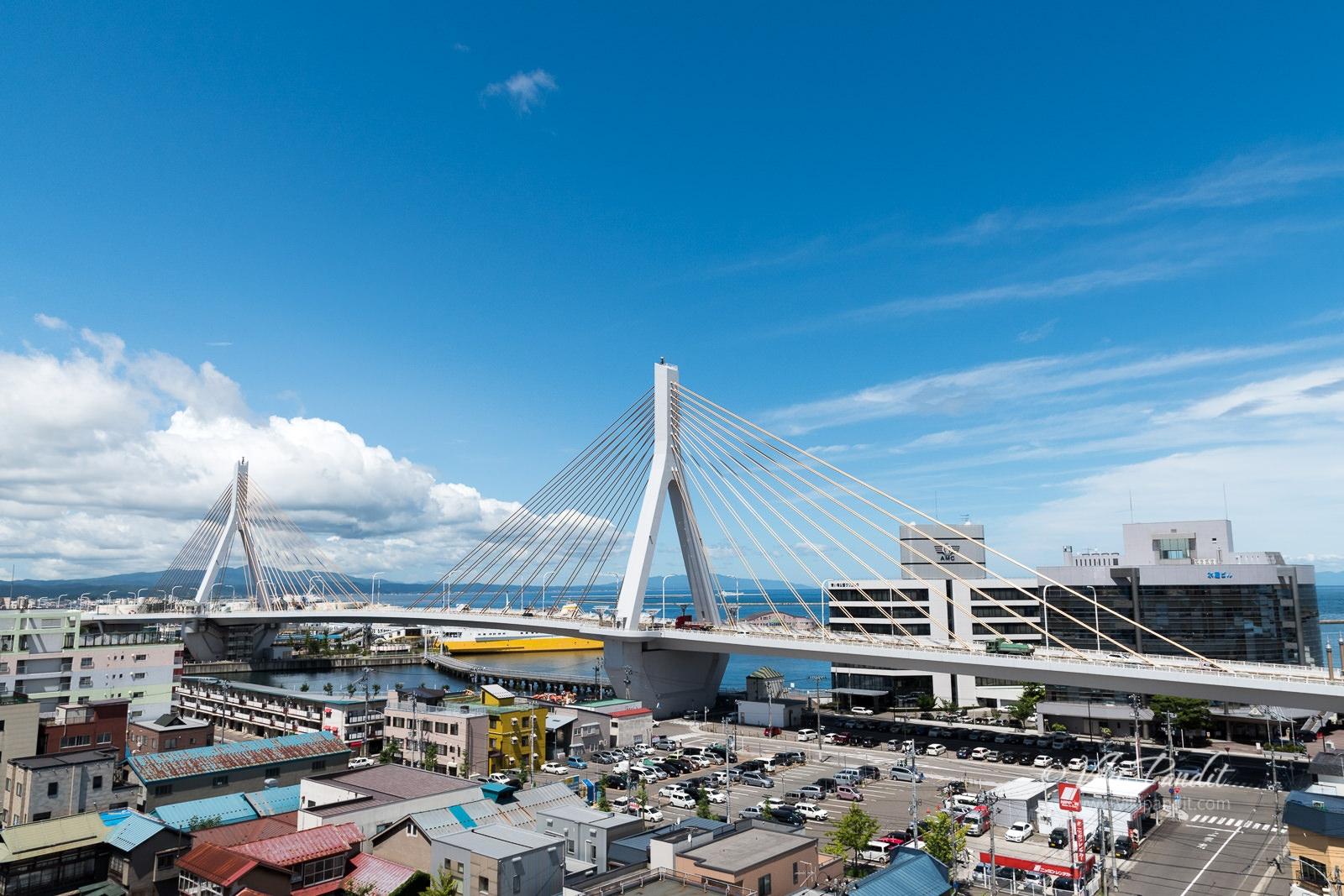 Aomori-Bay-Bridge