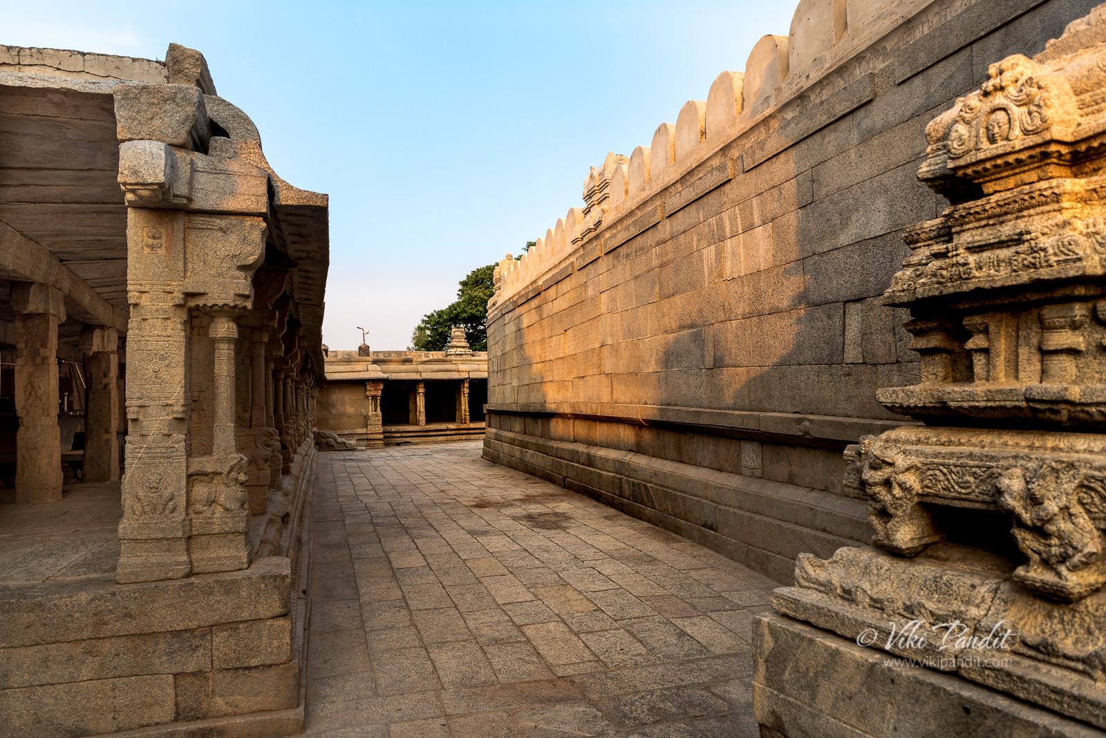 Corridor, Veerabhadra Temple