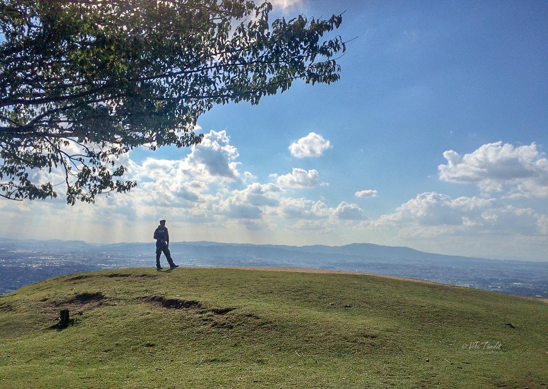 Viki at Mt. Wakakusa