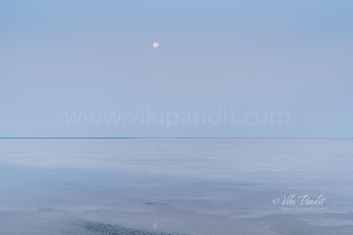 Moonset at White Rann