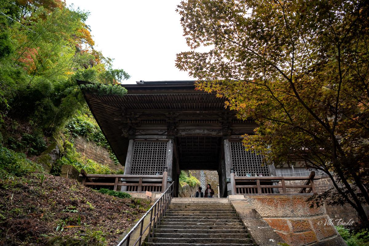 Niomon Gate at Yamadera