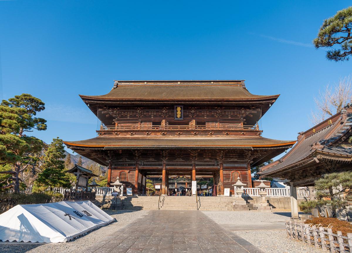 Sanmon Gate of Zenko-ji Temple