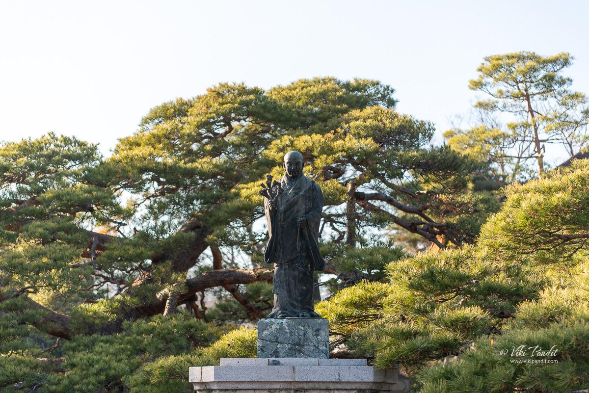 Statue of Shinran at Zenko-ji