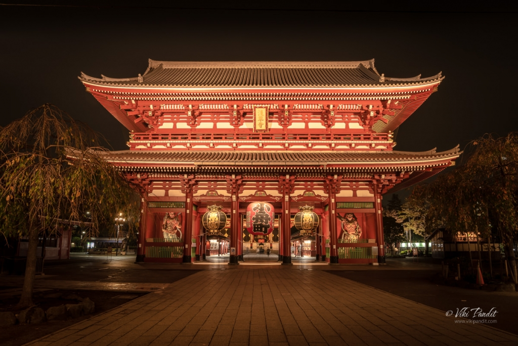 Hozomon Gate of Senso ji Temple at Night